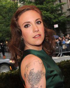 lena dunham ferdinand the bull Lena Dunham Tattoos, Lena Dunham Girls, Pretty People, Beautiful People, Girls Hbo, She Was Beautiful, Celebrity Makeup, Bridesmaid Hair, Girl Crushes