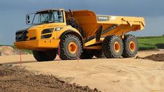 United Machinery Training Center: Dump Truck Training In Middleburg Used Construction Equipment, Safety Courses, Drilling Rig, Volvo Trucks, Heavy Machinery, Dump Trucks, Best Android, Training Center, Training Courses