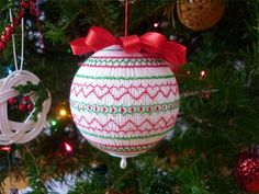 Pinwheel Ponders: Some thoughts on Smocked Ornaments
