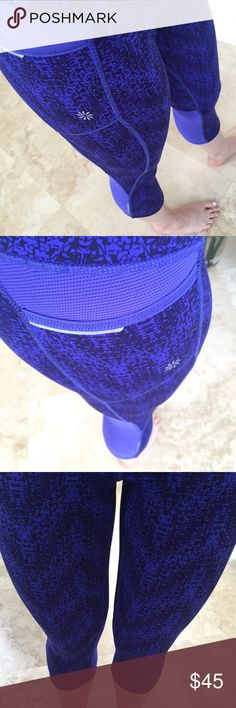 Athleta blue capri size Small Blue patterned capris from Athleta. Super comfortable, great condition, size small. Athleta Pants Capris