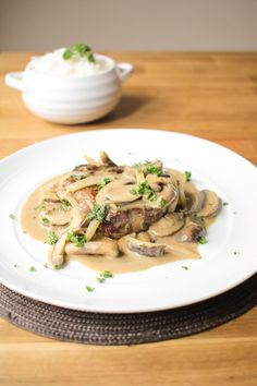 Here's a twist on the iconic beef stroganoff and a delicious way to enjoy a big juicy fillet steak! Fillet Steak Recipes, Beef Recipes, Cooking Recipes, Recipies, Stroganoff Recipe, Cottage Meals, Skirt Steak, Food Dishes, Recipes