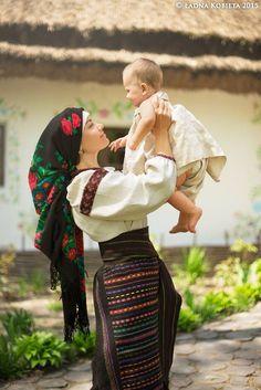 , Ukraine , from Iryna Folk Fashion, Ethnic Fashion, Traditional Fashion, Traditional Dresses, Beautiful Children, Beautiful People, Mode Russe, Eslava, Ukraine Women