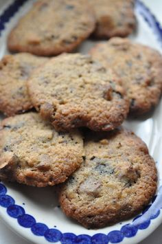 Ben and jerry's cookies - cookie dough opskrift Brownie Cookies, Cookie Bars, Cookie Dough, Ben And Jerrys, Happy Day, Biscotti, Baking Recipes, Sweet Tooth, Avocado
