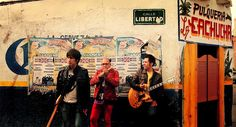 Los amigos de Comisario Pantera están estrenandovídeode su canción Tijuana. El vídeo se desarrolla en un bar en el cual la banda toca el mencionado sencillo, el cual vendrá dentro de su futura placa musical Jóvenes Ilustres. Video BizarroNombre Tijuana DÉJANOS UN COMENTARIO: