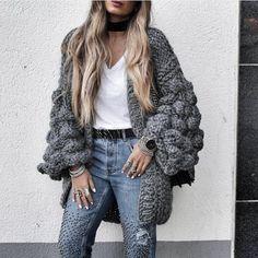 """962 Me gusta, 31 comentarios - ©MumsHandMade TheOriginal (@mumshandmade) en Instagram: """"••WarmUp••   DarkGrey   for stunning @stylebynelli #handmade #fashion #Knit #grey #oversize…"""""""