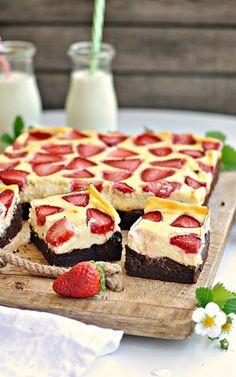 Sernikowe Brownie z Truskawkami