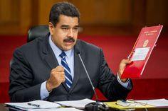 El presidente de Venezuela, Nicolás Maduro, pidió hoy al secretario de Estado de EE.UU., John Kerry, dejar una agenda positiva a la nueva administración que en los próximos meses asumirá el mando en la nación norteamericana para el mejoramiento de las relaciones entre ambos países.</p>