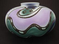 Schöne Vintage Vase (Kugelvase) / Bay / 690 16 / Fat Lava | West German Pottery | 60er von ShabbRockRepublic auf Etsy