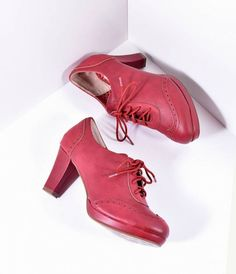 Put a little hop in your step, gals! These pin-up perfect pair of heels from Bettie Page feature a lovely 3 lift and are crafted in a fabulous burgundy red leatherette. Spectator detail and a classic lace up front keep you coming back to these retro shoe