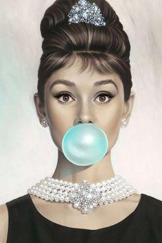 Resultado de imagen para audrey hepburn bubble gum