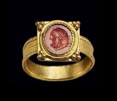 A ROMAN CARNELIAN RINGSTONE     CIRCA 1ST CENTURY A.D.