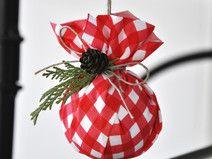 bombki, zawieszki na choinkę materiałowe z szyszką Christmas Bulbs, Christmas Decorations, Holiday Decor, Etsy, Home Decor, Decoration Home, Christmas Light Bulbs, Room Decor, Home Interior Design