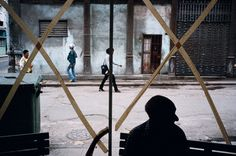 Havana, Cuba by: Alex Webb Contemporary Photography, Artistic Photography, Color Photography, Street Photography, Reportage Photography, Photography Names, Film Photography, Travel Photography, Magnum Photos