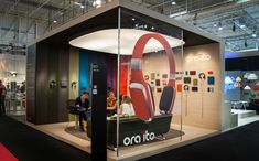 Custom Exhibit - multicolored and clear walls #exhibit #tradeshow
