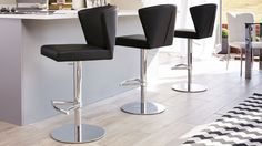 Discover Danetti's contemporary breakfast bar chairs for your home. Our designer bar stools are ideal for the kitchen. View our modern kitchen stools online. Kitchen Stools With Back, Bar Stools With Backs, Kitchen Counter Stools, Kitchen Island, Island Stools, Kitchen Tables, Kitchen Ideas, Kitchen Design, Kitchen Countertops