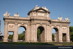 La Puerta de Alcalá...
