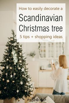 The 5 tips you need to know to give your Christmas tree a Scandinavian   vibe. Find out how to create the Nordic Christmas decor you are dreaming   about. #decor #ideas #interior #decorations Scandinavian Christmas Ornaments, Nordic Christmas, Christmas Time, Interior Design Ikea, Interior Blogs, Interior Designing, Diy Home Accessories, Diy Home Repair, Home Candles