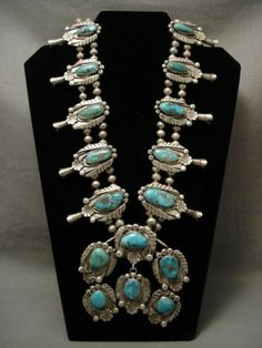 Vintage Navajo Bisbee turquoise sterling silver necklace.