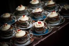 wedding cupcakes in teacups