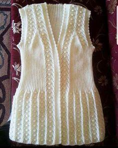 116 Grain Knitting Feminino Colete Modelos All Linda Tricô Colete Feminino Modelo 28 # Crochet Baby Jacket, Knit Baby Dress, Knitted Baby Clothes, Crochet Tunic, Baby Knitting Patterns, Knitting Designs, Pullover Design, Sweater Design, Knit Vest Pattern