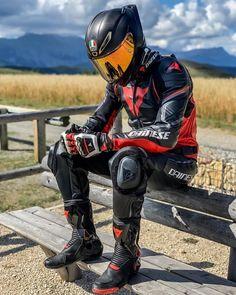 Motorcycle Suit, Futuristic Motorcycle, Futuristic Cars, Biker Leather, Leather Men, Biker Couple, Motocross Gear, Biker Boys, Bmw S1000rr