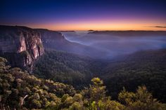 Sunrise at Govett's Leap // Blue Mountains (NSW) - We Are Explorers