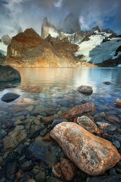 Know about the wonders of Argentina; The Los Glaciares National Park in Argentina. Place to visit Mount Fitz Roy, Cerro Torre, El Chalten, Glaciar Perito Moreno and more. All Nature, Amazing Nature, Science Nature, Beautiful World, Beautiful Places, Beautiful Pictures, Amazing Places, Landscape Photography, Nature Photography