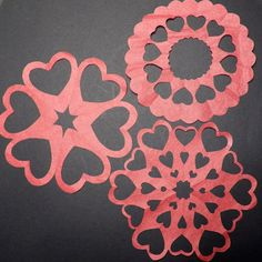 Symmetry in Snowflakes How to Make Paper Snowflakes Free PDF Cutting Patterns The post Symmetry in Snowflakes appeared first on Paper Ideas. Simple Snowflake, Snowflake Craft, How To Make Snowflakes, Paper Snowflakes, Snowflake Template, Snowflake Pattern, Kirigami, Paper Cutting, Cut Paper