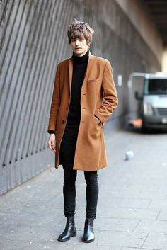 London Collections Men street style aw 2015 Fashion Trends Beauty Tips Celebrity Style Magazine ELLE UK 60s Fashion Trends, Fashion Mode, Trendy Fashion, Womens Fashion, Fashion Menswear, Fashion Stores, Mens Autumn Fashion, 60s Mod Fashion, London Mens Fashion