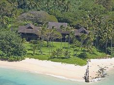 Luxurious Sandy Beach Front Property with spectacular views of the ocean Spreckelsville, Maui