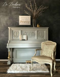 Best Way I Know How to Paint a Piano! I'll show you the best way I know how to paint a piano in 1 day! Isn't she AMAZING? I'll show you the best way I know how to paint a piano in 1 day! Isn't she AMAZING? Refurbished Furniture, Furniture Makeover, Painted Furniture, Antique Furniture, Rustic Furniture, Furniture Refinishing, Repurposed Furniture, Outdoor Furniture, Furniture Projects