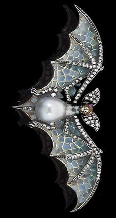 Nouveau brooch diamond and pearl. C. 1900