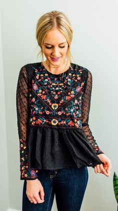 #spring #outfits Black Printed Blouse & Navy Skinny Jeans