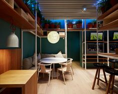 FASTVíNIC = a new space where fast food meets good, sustainable design in Barcelona.
