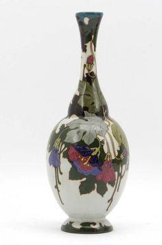 Plateel vase // Z-Holland