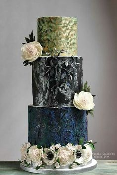 Floral cake by Jessi
