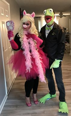 kermit and miss piggy halloween costume contest at costume holiday baking. Black Bedroom Furniture Sets. Home Design Ideas