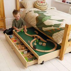 Кровать с местом для игр