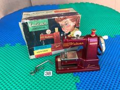 Vulcan-Senior-Childs-Sewing-Machine-Toy-Red-Miniature-Hand-Crank-England-Box-VTG