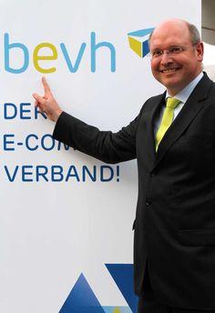Las organizaciones de comercio alemán Bevh y Bvoh se asocian  La Asociación de Comercio Electrónico Alemán y Venta a Distancia (BEVH) y la Asociación Alemana Federal de Comercio Electrónico (BVOH) han anunciado una alianza estratégica, con el fin de representar los intereses en el comercio en línea aún más eficaces.  http://www.losdomingosalsol.es/20161030-noticia-organizaciones-comercio-aleman-bevh-bvoh-asocian.html