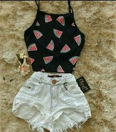 Cute Jean Shorts outfit ideas Cute Jeans Shorts outfit ideas to try out this summer Teenage Outfits, Teen Fashion Outfits, Mode Outfits, Cute Fashion, Outfits For Teens, Girl Outfits, Trendy Fashion, Fashion Black, Fashion Fashion