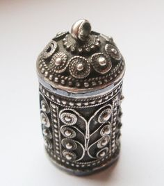 Caucasian Solid Silver Sewing Thimble