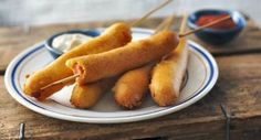 Fly the flag for the all-American snack with this recipe for corn dogs (deep-fried frankfurters).Equipment and preparation: You'll need 15 wooden skewers. Australian Food, Australian Recipes, American Recipes, American Food, Corndog Recipe, My Favorite Food, Favorite Recipes, Lactose Free Recipes, Hot Dog Recipes