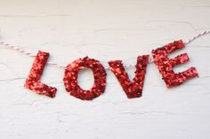 diy valentine: i love you garland | Lovely Indeed