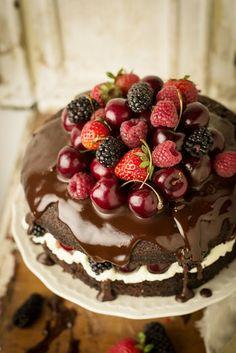 Chocolate and Berry Cake littleboxbrownie.com WOW - happy - happy - happy!