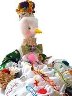 Soft sculpture art doll white linen bird cloth doll Queen of birds