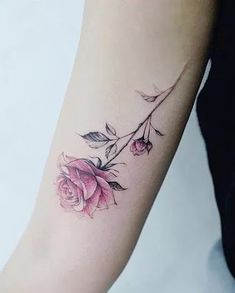 200 Photos of Female Tattoos on the Arm to Get Inspired - Photos and Tattoos - Flower Tattoo Designs - Tattooist Banul rose tattoo - Tattoo Fonts, Tattoo You, Arm Tattoo, Sleeve Tattoos, Hot Tattoos, Body Art Tattoos, Mini Tattoos, Fake Tattoos, Tatoos
