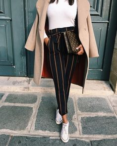 Shared by Mariana Pinto. Find images and videos about fashion, style and outfit on We Heart It - the app to get lost in what you love. Mode Outfits, Fashion Outfits, Womens Fashion, Fashion Pants, Fall Winter Outfits, Autumn Winter Fashion, Classy Outfits, Casual Outfits, Mode Hijab