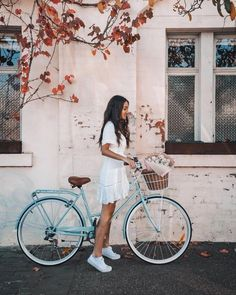 A l and y n a – girl photoshoot poses Aesthetic Photo, Aesthetic Pictures, Photography Aesthetic, Aesthetic Girl, Looks Con Converse, Velo Vintage, Girl Photo Shoots, Photo Instagram, Girl Photography