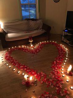 Romantic Room Surprise, Romantic Birthday, Romantic Night, Romantic Dinners, Romantic Gifts, Romantic Ideas, Diy Birthday, Birthday Gifts, Birthday Roses